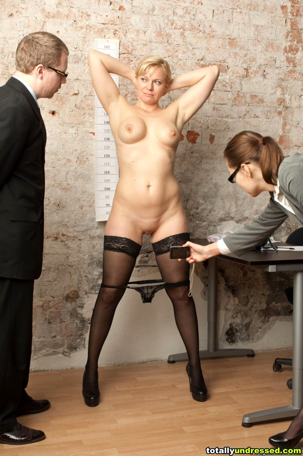 Showing Xxx Images For Porn Undressed Job Interview Xxx -1400
