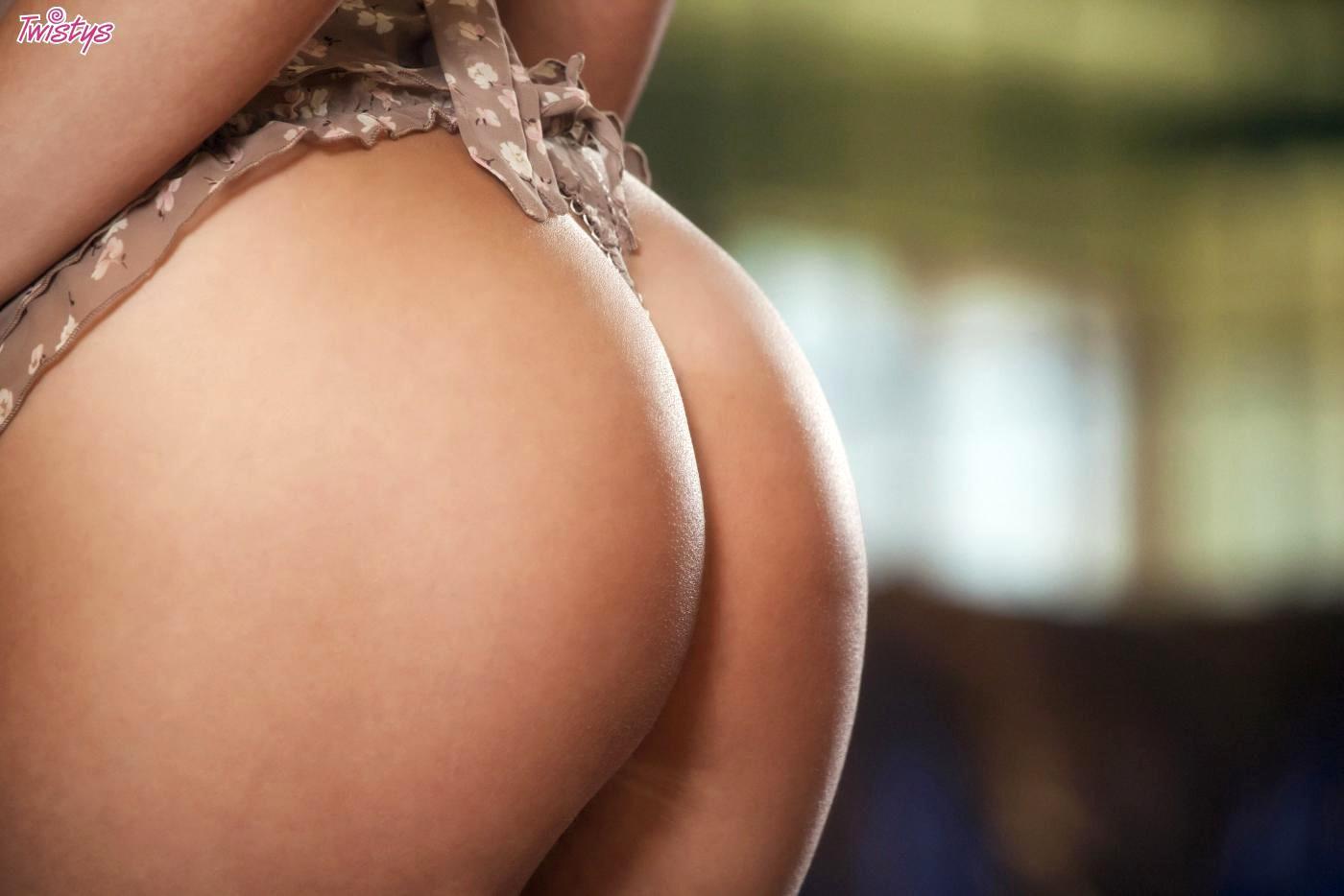 Brea bennett handjob SEXY STUNNING