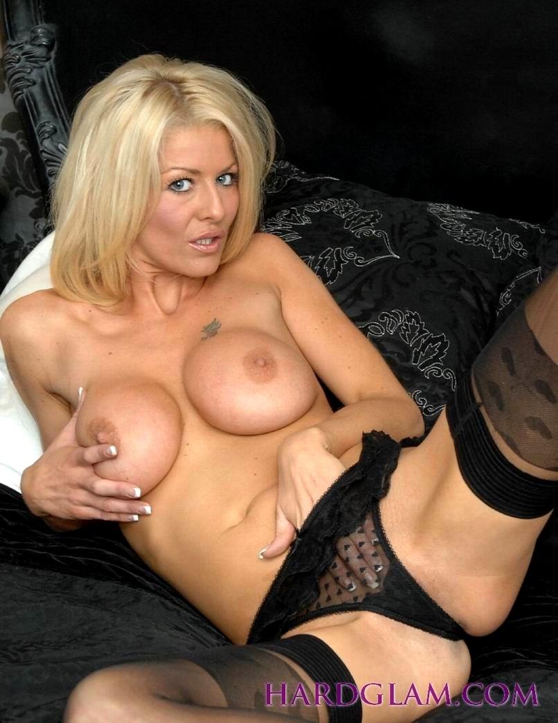 Sexy naked girls kari byron