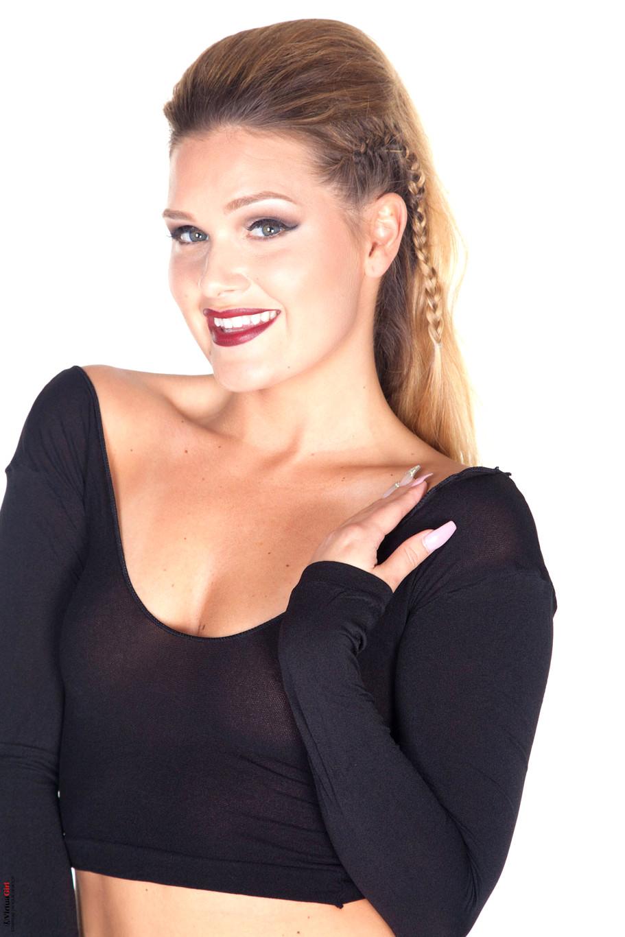 Abby Winters Abbywinters Model Wednesday Blonde Xxxgirl