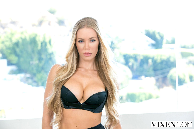 Babe Today Vixen Nicole Aniston Hot Blowjob Board Porn Pics