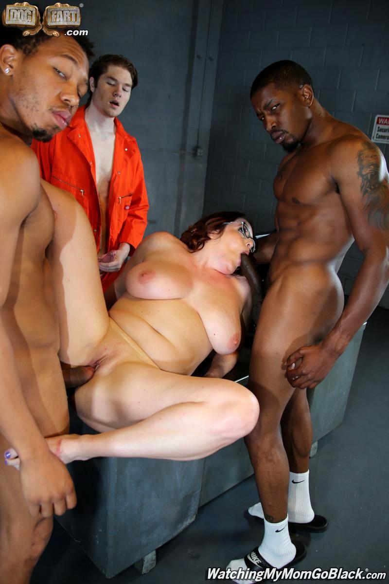 girls naked ass gaps