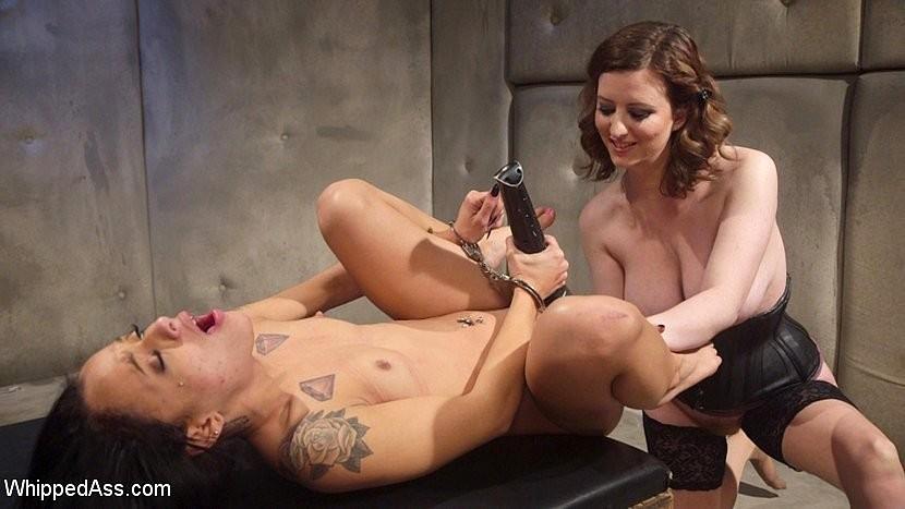 Holly hendrix strapon