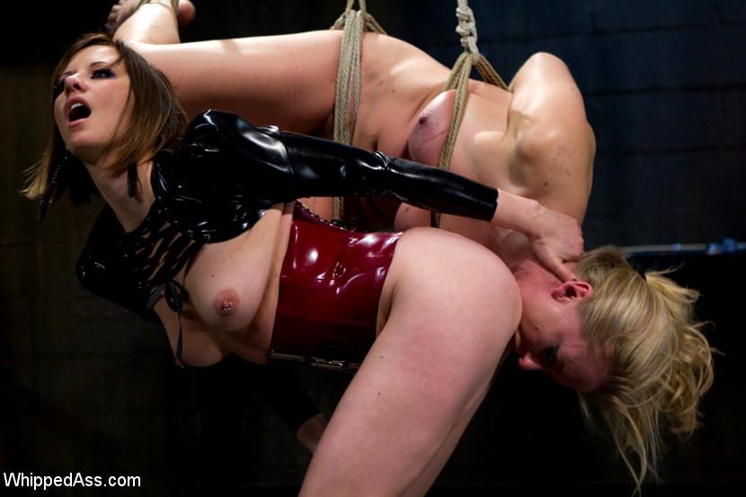 Sex fetish whips — photo 13