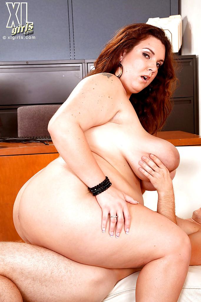 Naked chubby girls fighting