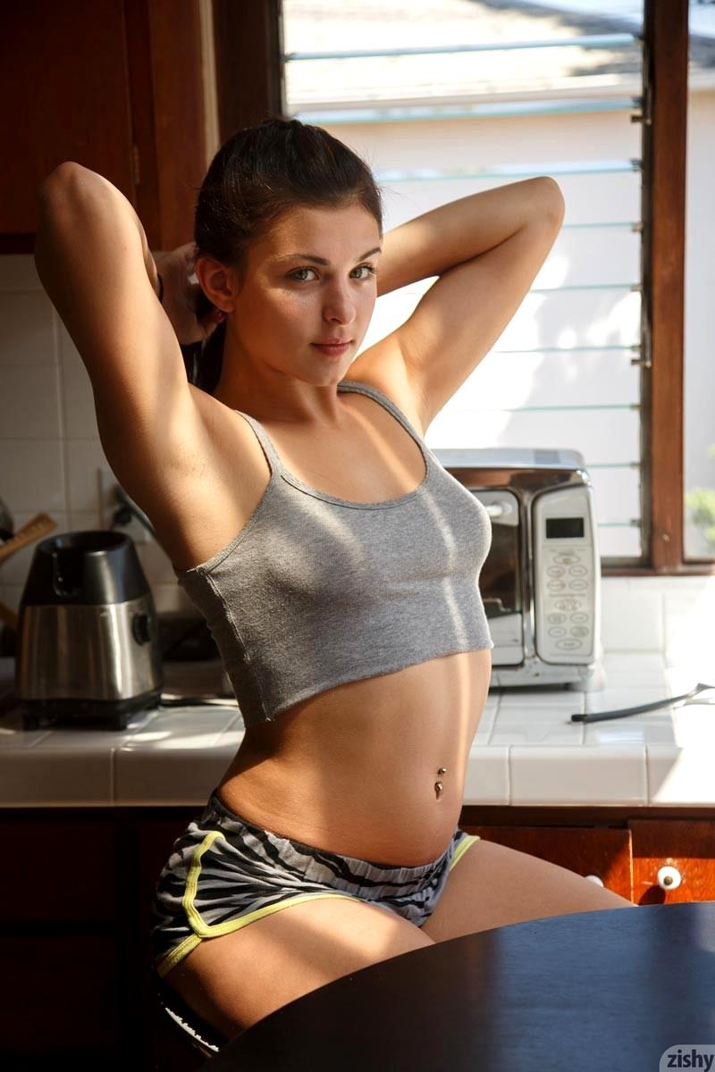 image Gorgeous webcam girl ashli loves big dildos